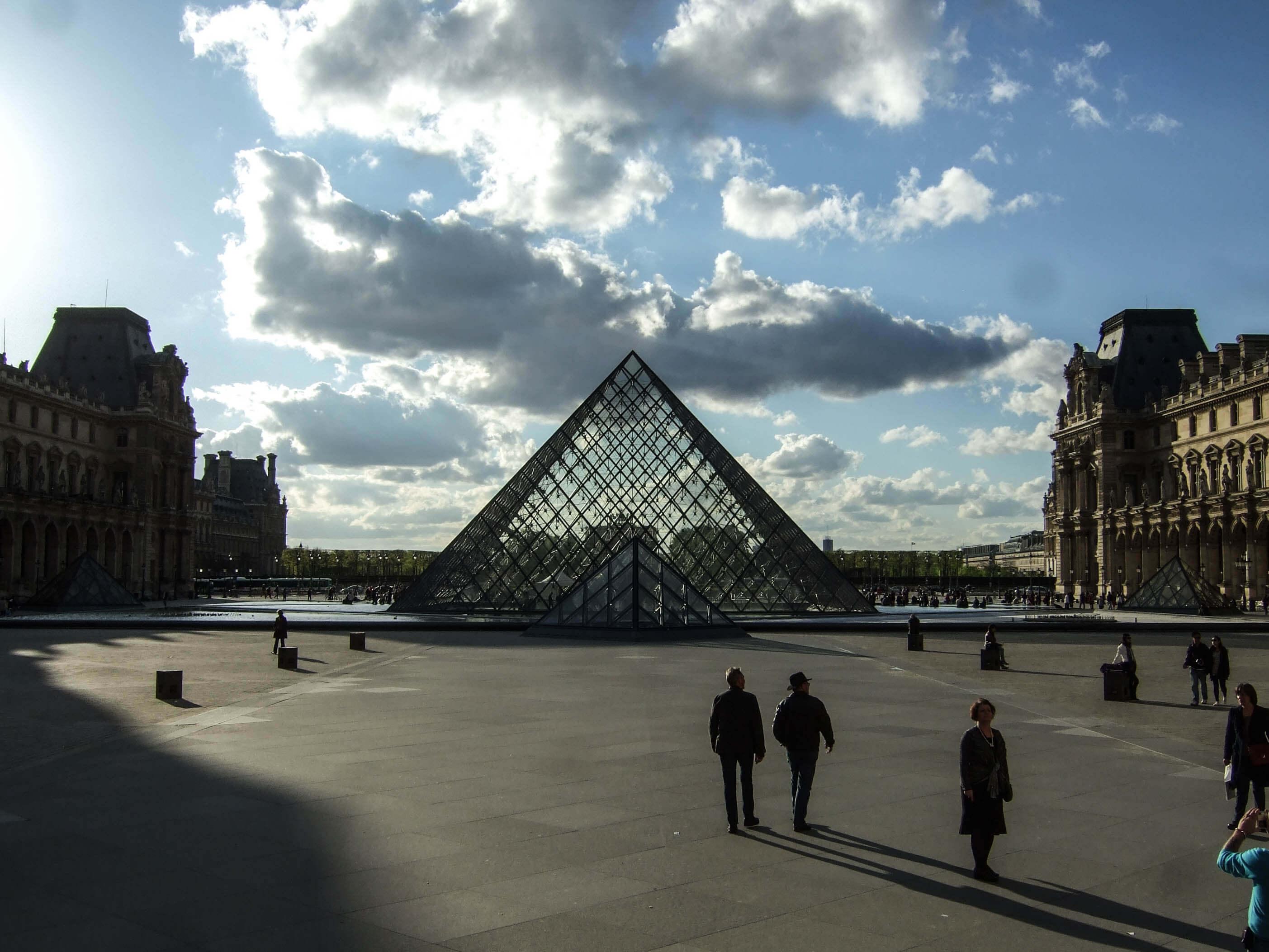 Sobre pinturas rupestres e meu sonho de conhecer o Louvre