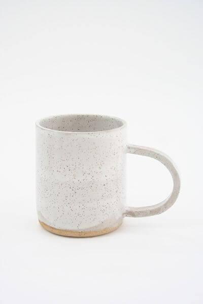white-and-dots-mug-Beklina
